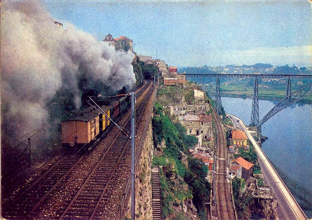 Porto - Despedida do Comboio a Vapor via Larga 25-3-1977 (p)
