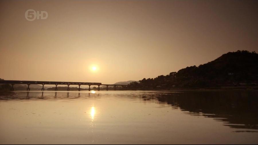Ch5.Extreme.Railways.3of3.Indias.Monsoon.Railway.720p.HDTV.x264.AAC.mkv_20160213_181554.781